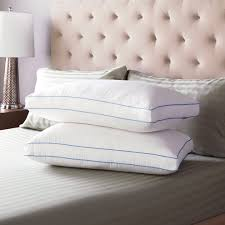 pillows and pillow protectors