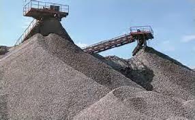 Нерациональное природопользование ресурсное отраслевое и  Рис 57 Шлаковые отвалы на Урале