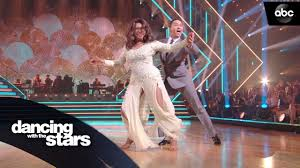 Mary Wilson's Foxtrot – Dancing with the Stars - YouTube