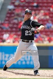 Peter Lambert of the Colorado Rockies pitches in the second inning...  ニュース写真 - Getty Images