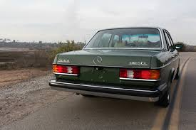 1977 Mercedes-Benz 300D Looks Fantastic, Seller Claims it Only Has ...