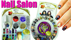 Disney DESCENDANTS NAIL SALON with Press-On Nails and Art Set ...