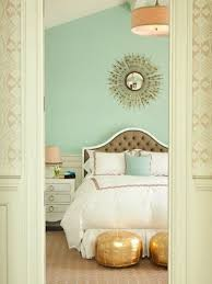 Decorating A Mint Green Bedroom: Ideas