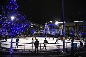 See photos, video of 47-foot Christmas tree lighting in Grand Rapids    MLive.com