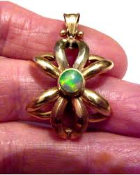 quality vintage 8 ct yellow white rose gold opal pendant