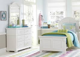 Louvered Bedroom Furniture Full Panel Bed With Louvered Accents By Liberty Furniture Wolf
