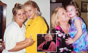 Anna Nicole Smith's mother Virgie Arthur dies after a long battle with  cancer | Daily Mail Online