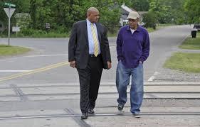 Study looks to help western Birmingham neighborhood locked in by railroad  crossing - al.com