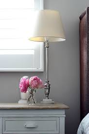 right bedside lamp height