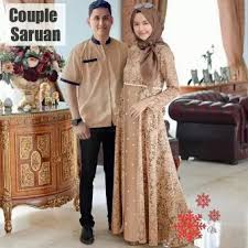 Untuk menampilkan kesan penampilan yang lebih formal biasanya sang model batik couple kondangan. Baju Muslim Couple Brukat Baju Muslim Pasangan Baju Couple Lebaran Baju Couple Kondangan Baju Couple Pesta