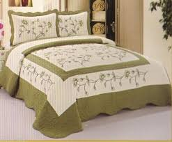 Best 25+ Quilted bedspreads ideas on Pinterest | Gray bedspread ... & King or Queen Quilted Bedspread High Quality Soft White & Sage Floral #CLH  #Cottage Adamdwight.com