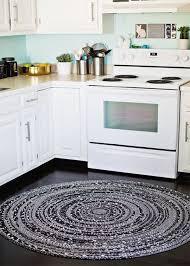 round kitchen rug