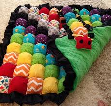 Best 25+ Biscuit quilt ideas on Pinterest | Bubble quilt, Puffy ... & You won't be able to wait to make this gorgeous Rainbow Bubble Quilt and  it's easy when you know how! We've also included a Puff Quilt and Rag Quilt  for you ... Adamdwight.com
