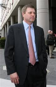 Ex-Enron broadband executive Rice reports to prison | Reuters