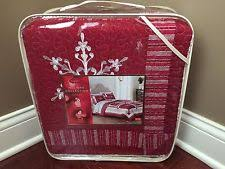 Home Classics Anna Floral Quilt - Full Queen   eBay & Home Classics Nicholas FULL QUEEN Snowflake Cotton Quilt Red White MSRP  $180 NWT Adamdwight.com