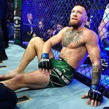 Conor McGregor undergoes surgery after ...
