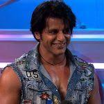 bigg boss 12 is karanvir bohra handling his social a accounts from inside the house