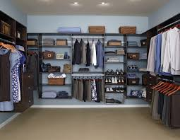 Walk In Closet traditional-closet