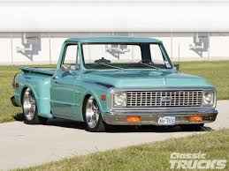 1102clt 01 o 1971 chevy c10 front