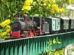 this can get quite addictive from left to right we have d s 6495 the steyrtalbahn brake van described in this article in the centre d s 6485