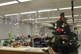 christmas door decorations ideas office best office christmas decorations