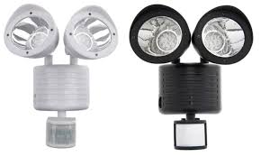 40226L SolarPowered 80LED MotionActivated Outdoor Security Solar Security Flood Light