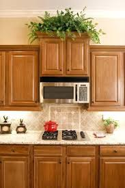 What Color Granite Goes With Honey Oak Cabinets Kitchen Wall Colors
