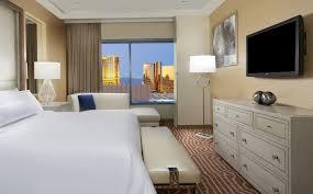 Mirage One Bedroom Tower Suite 2 Bedroom Suites Las Vegas Casino Hrh Allsuite Tower Pool Queen