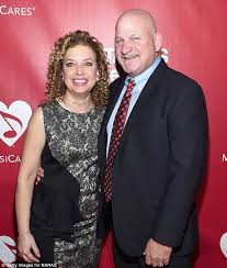 Debbie Wasserman Schultz husband accused of duping | Daily Mail Online