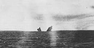 Photos d'un OVNI prises à bord de l'USS trepang SSN 674 - Page 2 Images?q=tbn:ANd9GcQ5xgds6rY7Fbjw6NgIsqkobNNCpOVzDl9orwnW2Ihx-HqaL0OGYQ