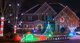 Outdoor christmas lights house ideas Hanging Outdoor Christmas Decorating Ideas Yard Envy Outdoor Christmas Decorating Ideas Yard Envy
