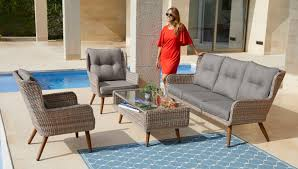 Lounge Sessel Mit Tisch