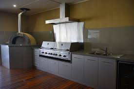 We offer a large selection of kitchen cabinets. Custom Built Cabinet Makers