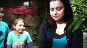 She meets the children who are intrigued by her and her story. Johnny And Tee Help Tracy Tracy Beaker Returns Youtube