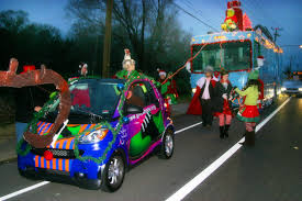 christmas-parade-david-smart-car-rv.jpg (1229×819) | Christmas ...