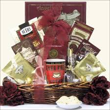 this gourmet coffee gift basket offers a great selection of coffees and treats features coffee master s french vanilla decaffeinated coffee and breakfast