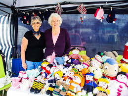 Twyford friends knit the 12 Days of Christmas - and it's a real card! - The  Wokingham Paper