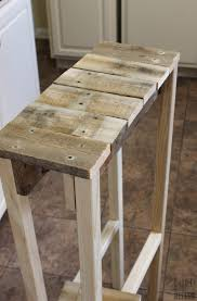 Pallet Entry Table Remodelaholic Build A Pallet Table For Under 10