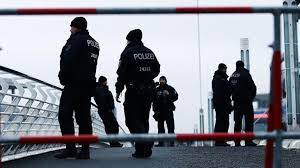 Son dakika - Almanya'da silahlı saldırı! En az 6 ölü...   ASASMEDYA