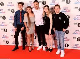 Radio 1 R B Chart Liam Payne Joins Louisa Johnson And Love Islands Kem And