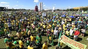 Manifestações não foram grandes o suficiente para Bolsonaro vencer crise,  avaliam analistas políticos - BBC News Brasil