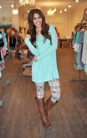 Patterned Leggings Outfits