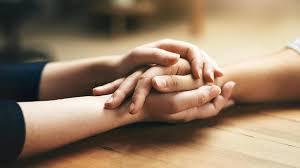 Trauerbewältigung Was Nach Dem Tod Eines Geliebten Menschen Hilft