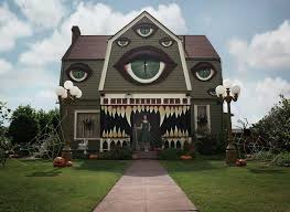 Decorate House On Halloween