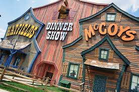 hatfield mccoy dinner show in pigeon forge