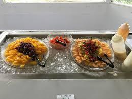 buffet includes fresh fruits