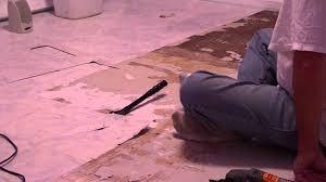 removing vinyl flooring from wood