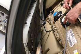 bmw e door lock assembly replacement i xi i xi i bmw e90 door lock replacement disconnecting the door handle