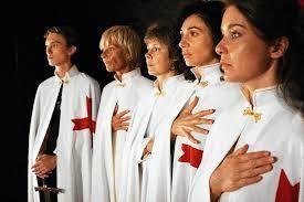 Résultats de recherche d'images pour «GROUPE DE FEMMES MILLIADAIRES»