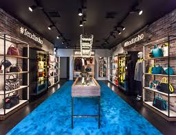 Vending Machines New York Magnificent Fendi Sets Up Popup Store In Soho New York To Tantalize Shoppers